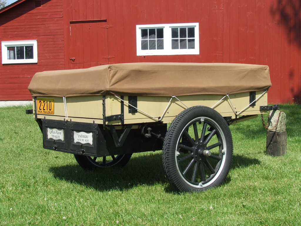 1927 Auto-Kamp trailer with plate