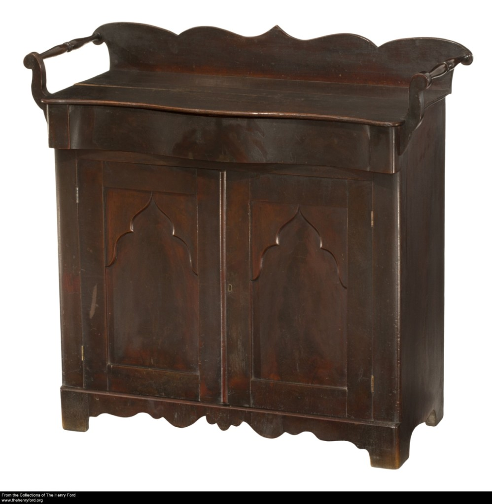 1840-1860 washstand was purchased by Mary Todd Lincoln.