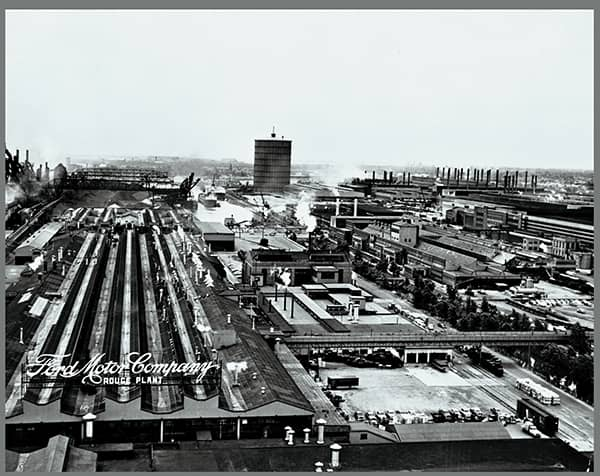 1920 : Ford Rouge Plant Blast Furnaces Fired Up for First Time