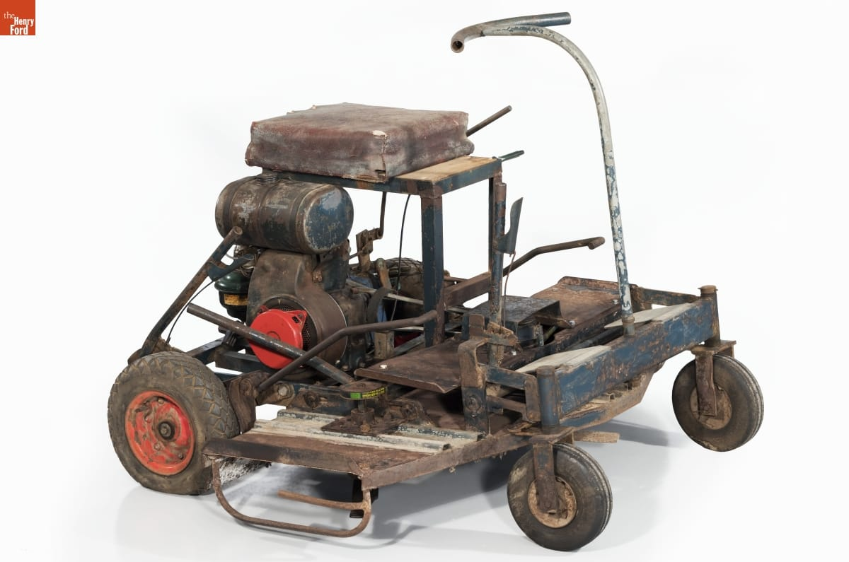 Wheeled cart with machinery on top of it